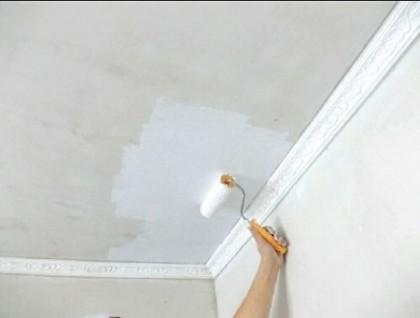 Покраска потолка в квартире