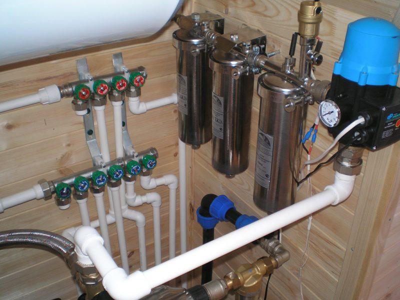 Монтаж трубопровода в доме