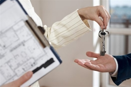 Плюсы и минусы аренды дома