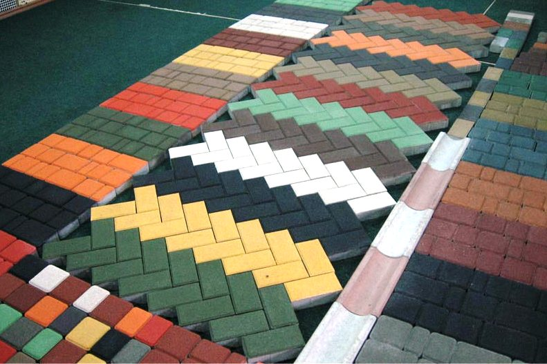Как выбрать тротуарную плитку для придомовой территории