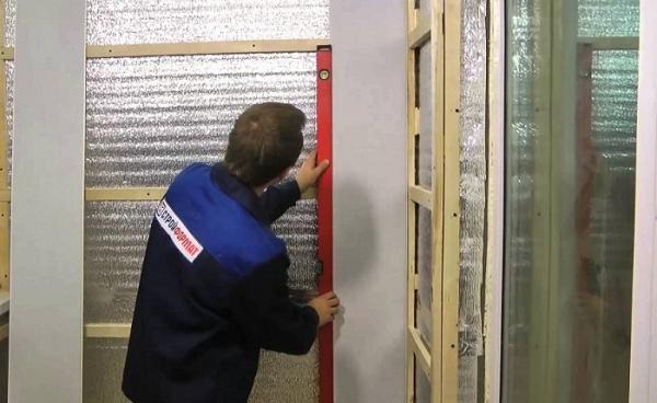 Отделка стен пластиковыми панелями