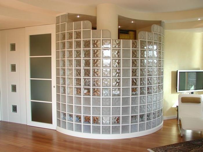 Особенности и преимущества стеклоблока