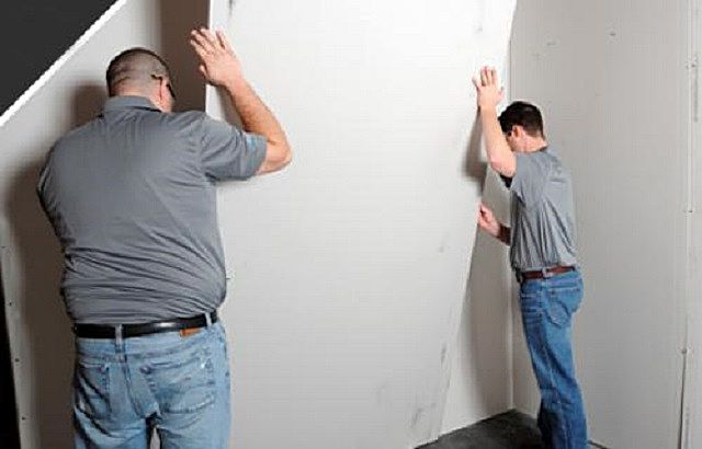 Монтаж гипсокартонных листов на стены