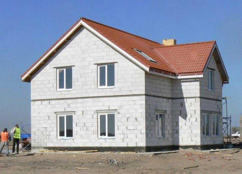 Из чего можно недорого построить дом?