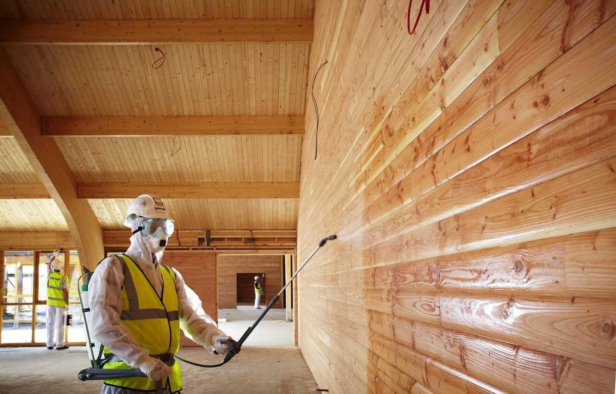 Защищаем древесину антисептиком
