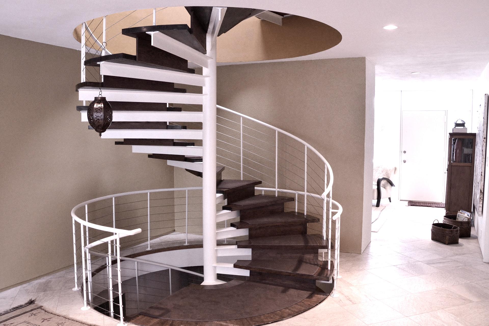 Винтовая лестница: вынужденный поворот