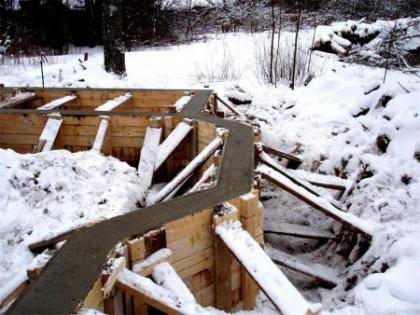 Можно ли строить дом зимой?