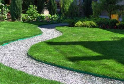 Искусственный газон, плюсы и минусы его использования