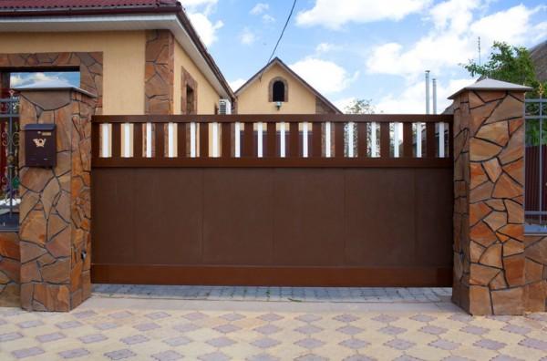 Особенности конструкции откатных въездных ворот