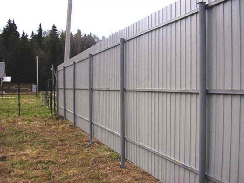 Забор из металлопрофиля - установка своими руками