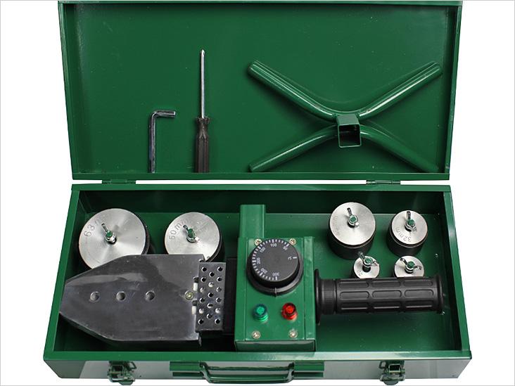 Инструмент для работы с пластиковыми трубами
