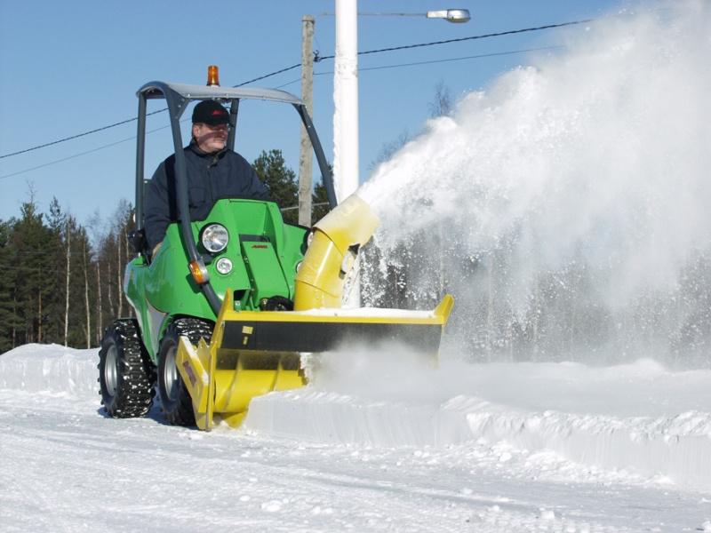 Обзор и нюансы выбора снегоуборочной техники