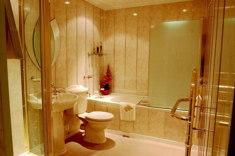 Установка пластиковых панелей в ванной комнате