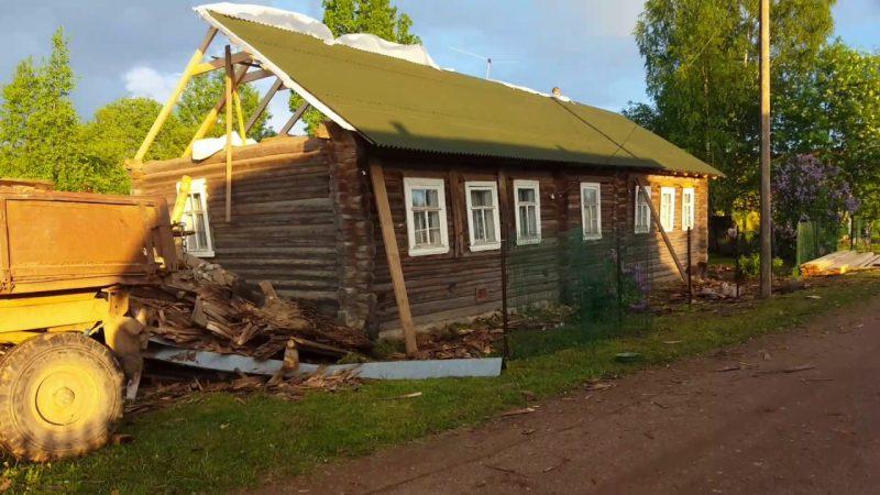 Ремонт кровли старого дачного дома