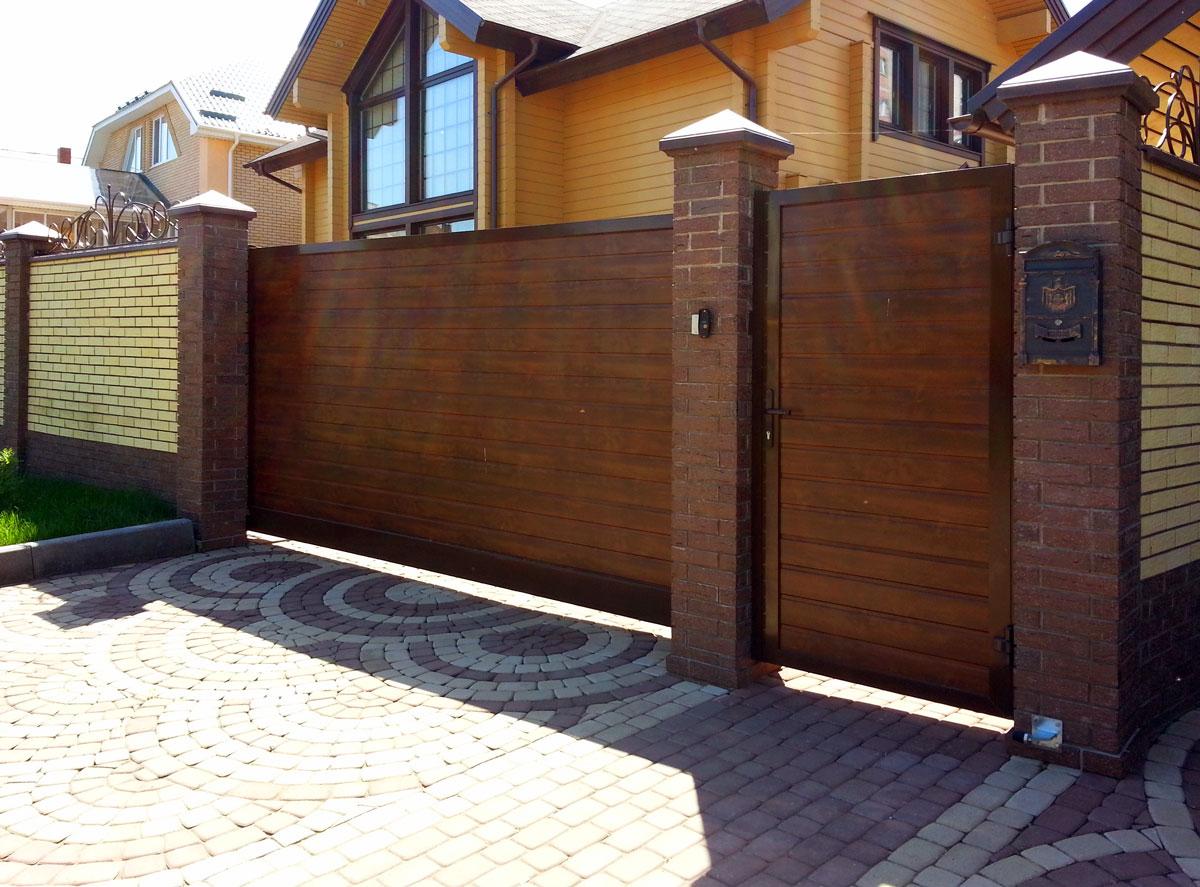 Откатные и распашные ворота -выбираем вариант для загородного участка