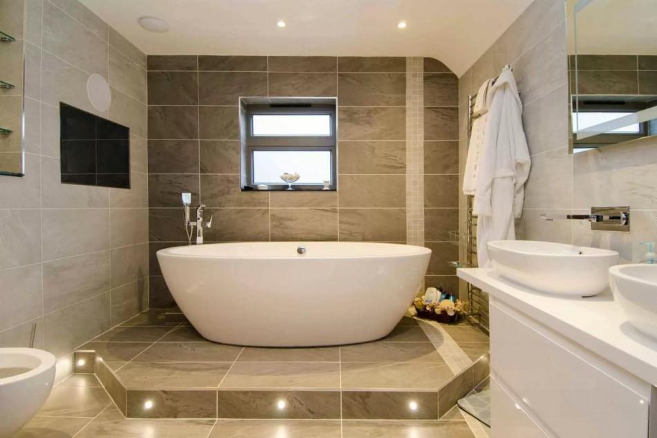 Ванная комната в доме: поиск оптимального решения