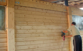 Отделка деревянного дома: этапы и особенности